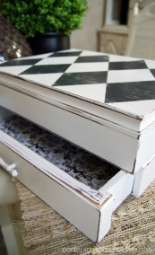 Harlequin-Box-2